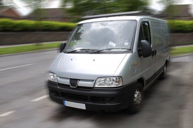 Location Minibus 14 Personnes Avec Chauffeur - Comment s'y Prendre