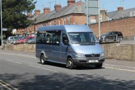 Comment Procéder à la Location Minibus Avec Chauffeur Pour un Mariage